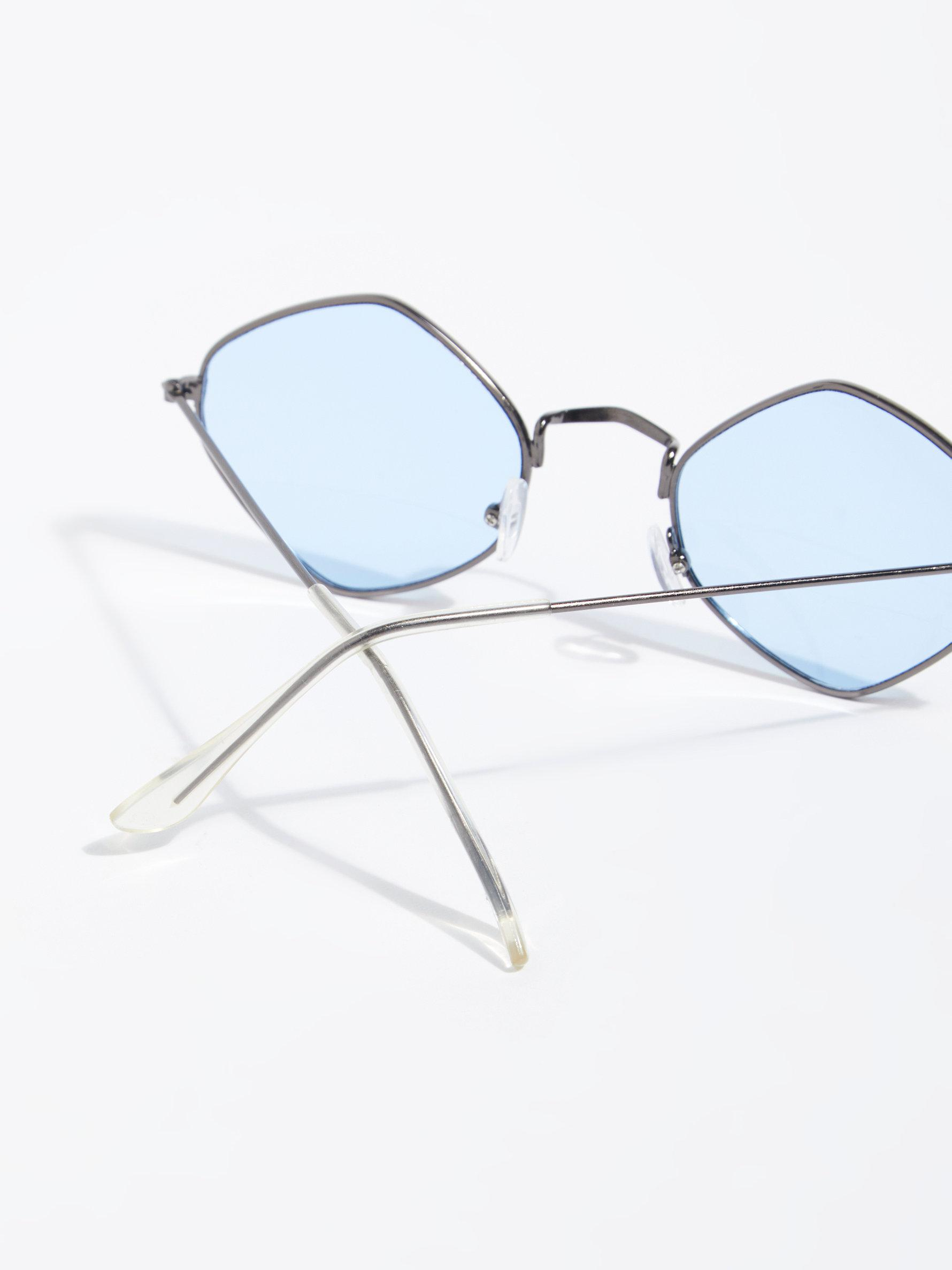 e36312e470bd Lyst - Free People Dita Diamond Sunglasses in Blue