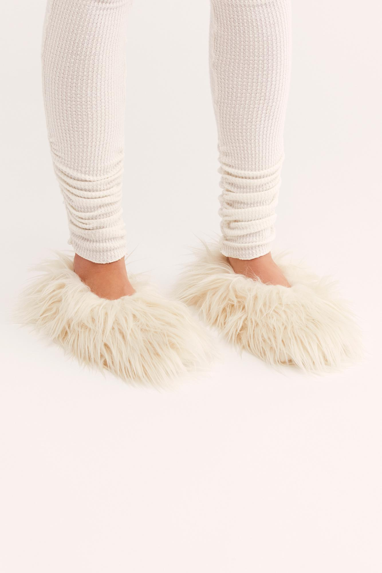 799bf6e7ca9 Free People Faux Fur Slipper By Pantuss - Chemise in Natural - Lyst