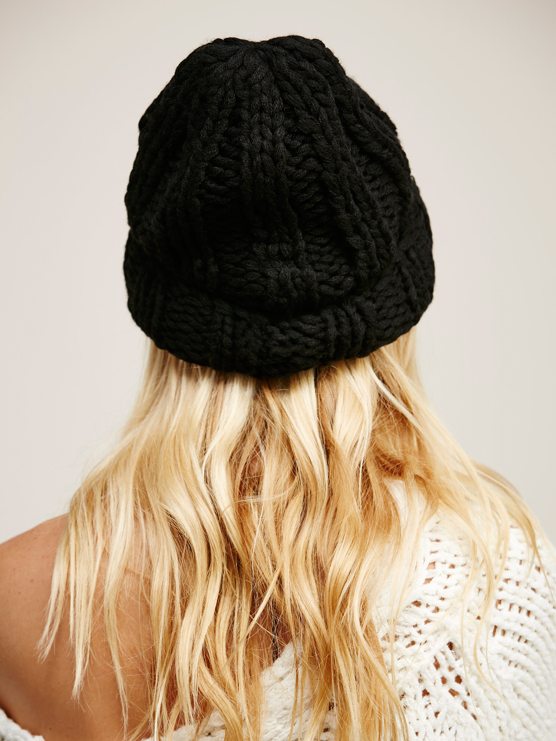215ac8361358d Free People Back To Basics Chunky Knit Beanie in Black - Lyst