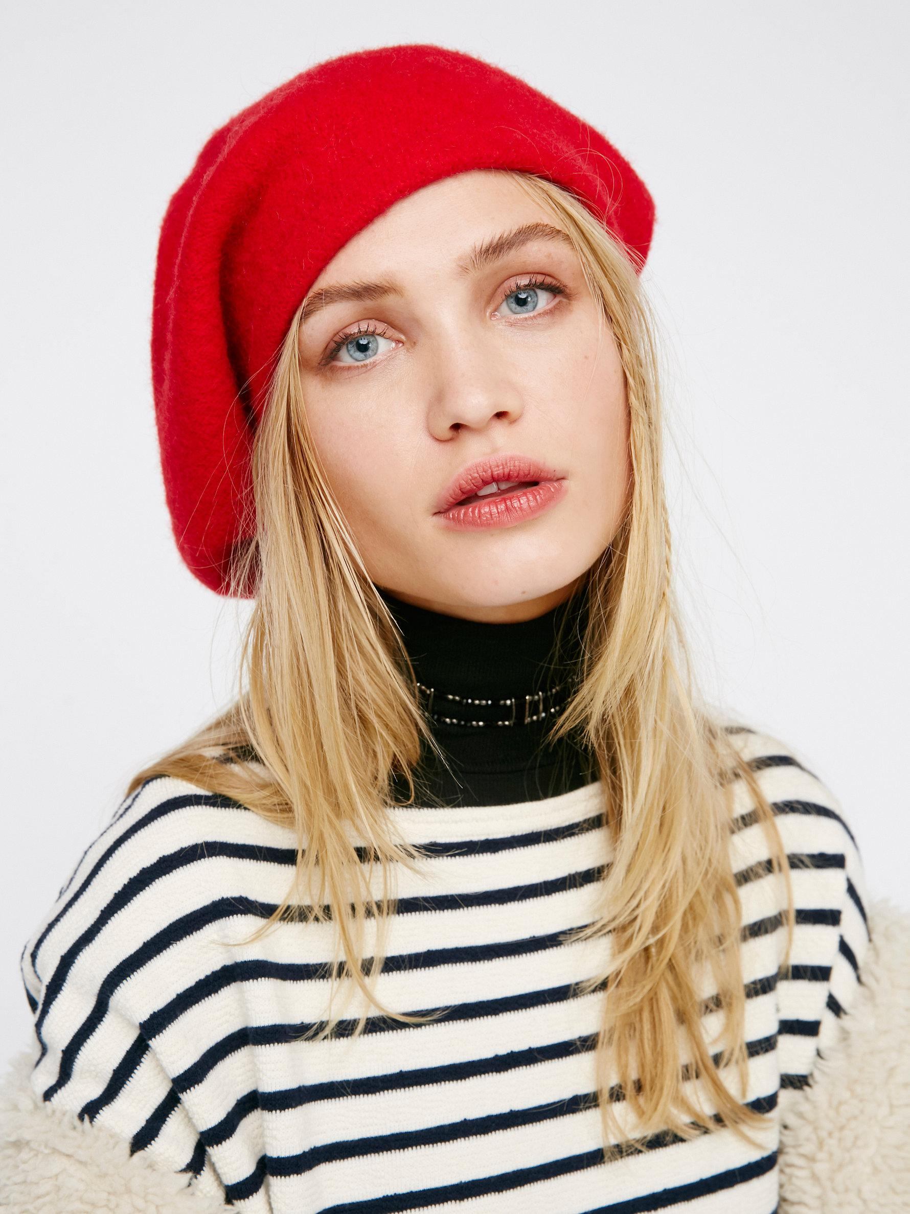 26d3090837727 Free People Bisous Slouchy Beret in Red - Lyst