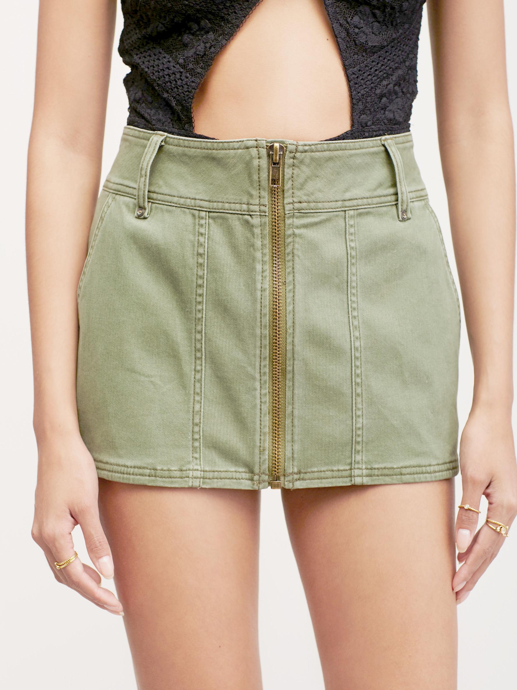 Free short skirt pics