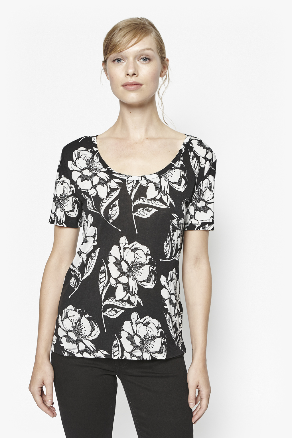 Lyst french connection shadow bloom monochrome t shirt for French connection t shirt dress
