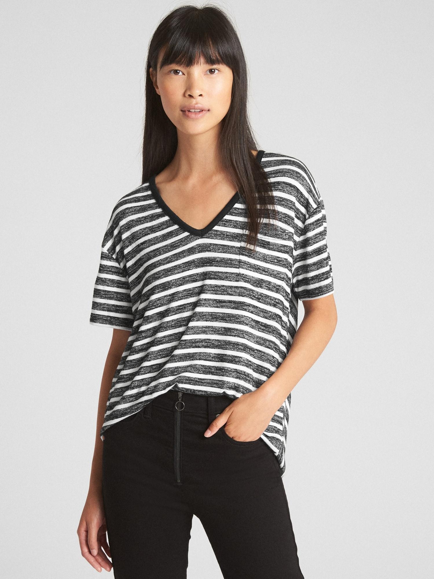 022a2bc8c74e8 Lyst - Gap Softspun Stripe V-neck Pocket T-shirt in Black