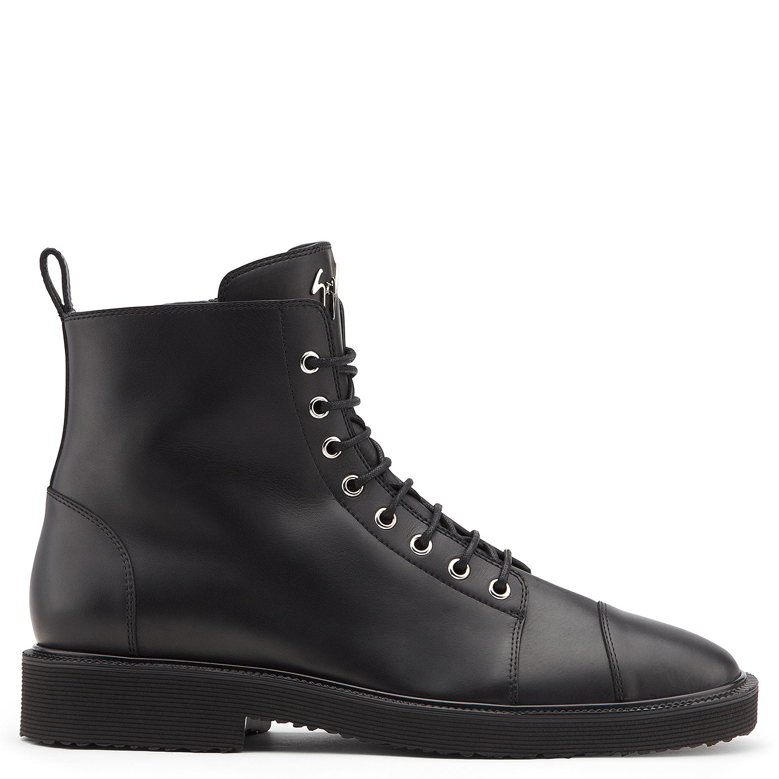 Giuseppe Zanotti Calfskin leather boot with metal zips and buckles CAMERON XV5hHtt