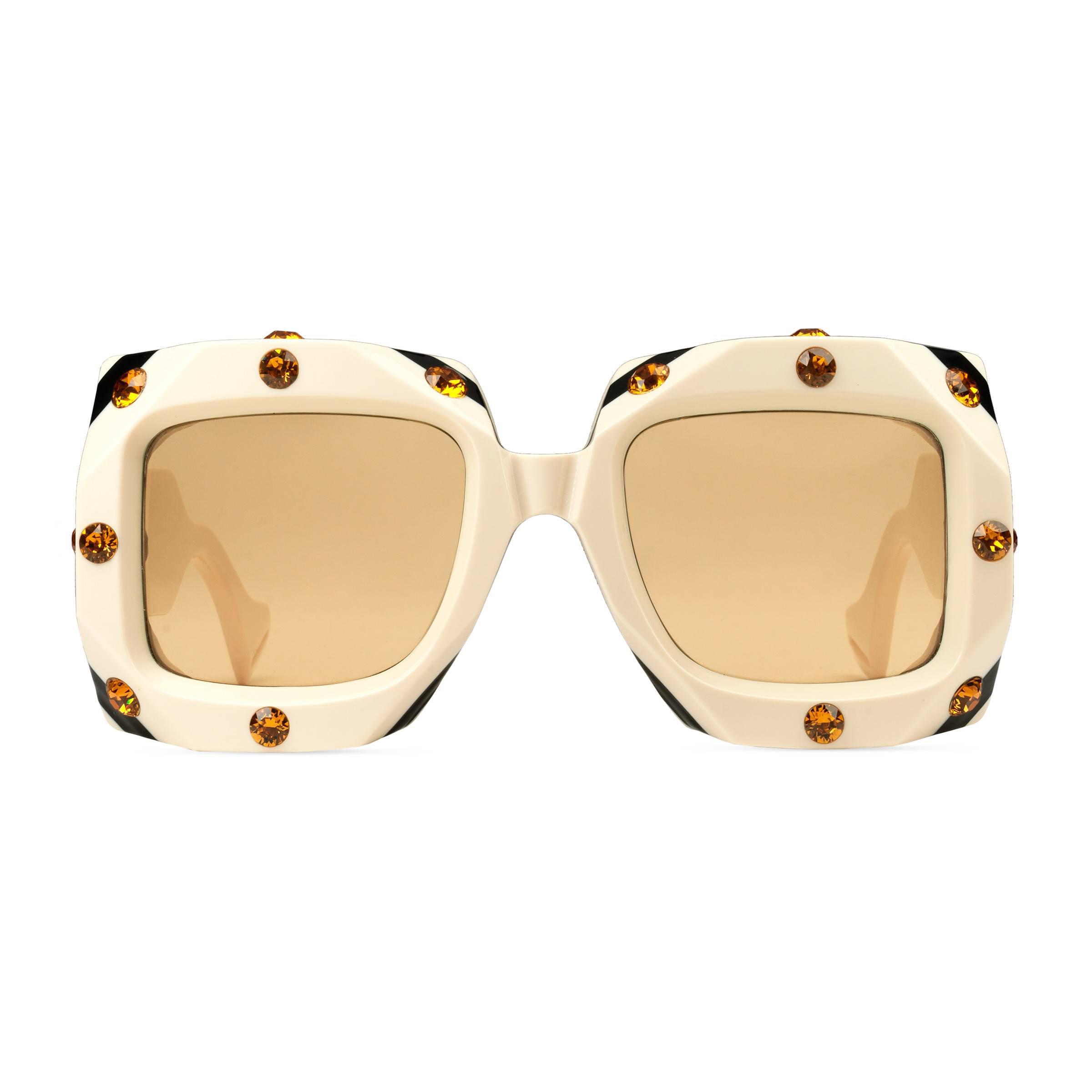 4e76a468a0d7a Lyst - Lunettes de soleil carrées oversize avec cristaux Gucci
