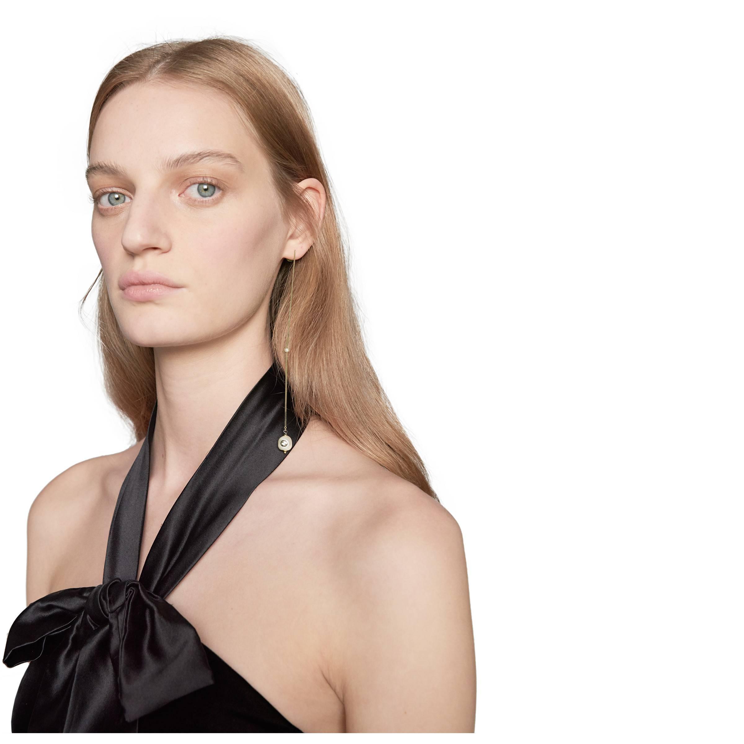 02e9158a4bd Gucci Single Interlocking G Pearl Pendant Earring in Metallic - Lyst