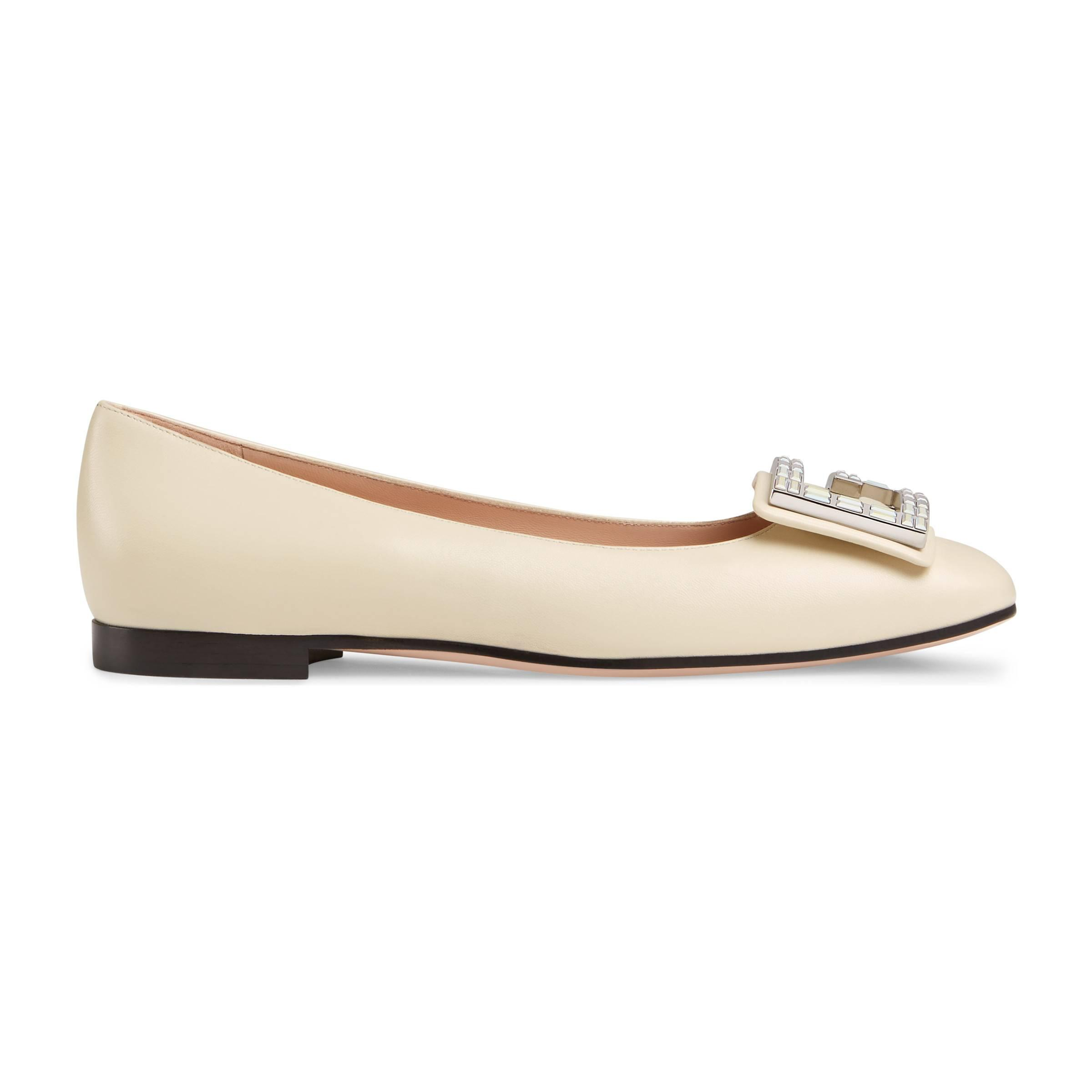 f30d8f255c98 Gucci Leather Ballet Flat With Crystal G in White - Lyst