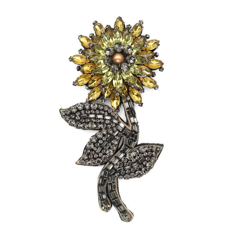 Gucci Crystal flower brooch gadlWrgrAs