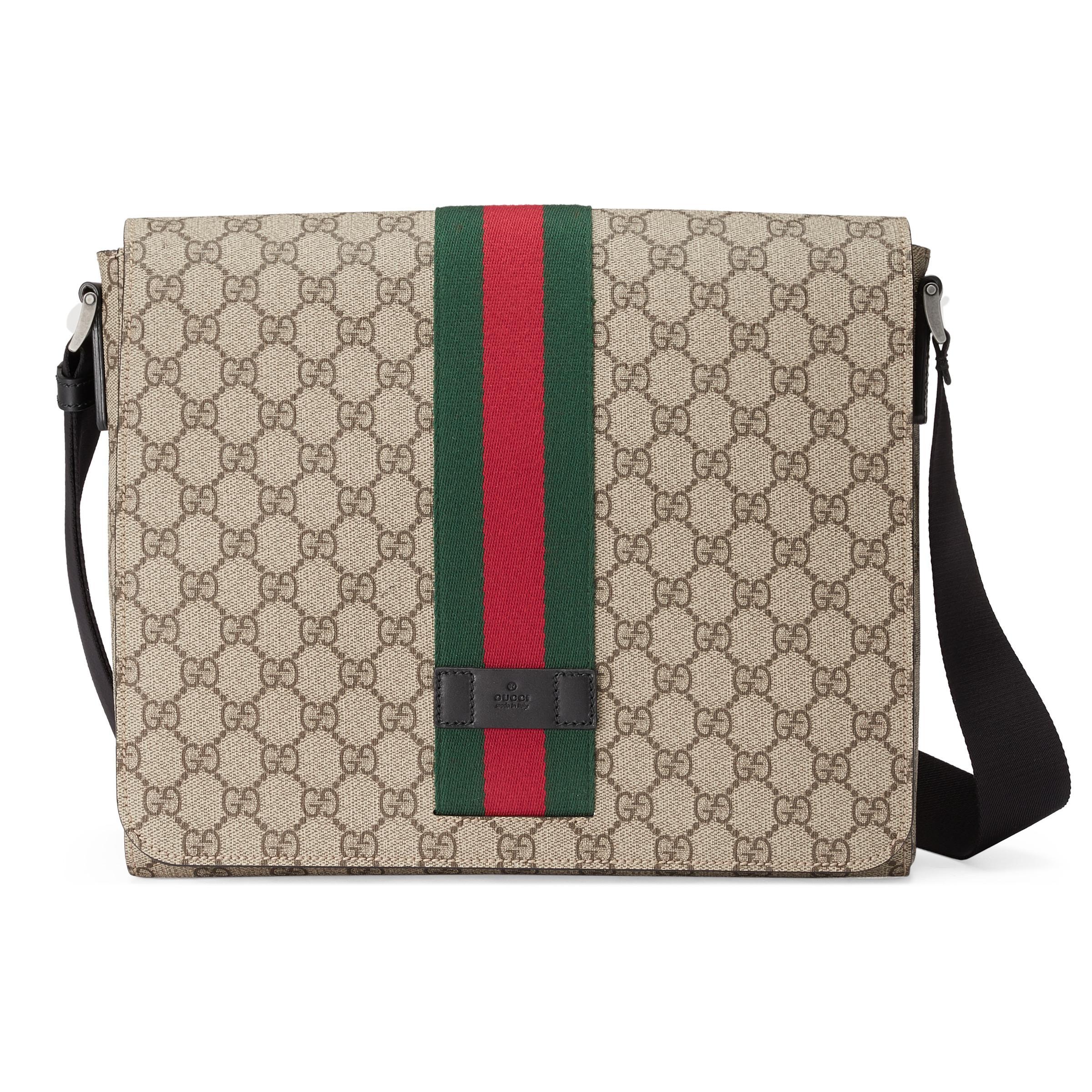 ee9bd172ab Gucci - Natural Bolso Cruzado GG Supreme for Men - Lyst. Ver en pantalla  completa
