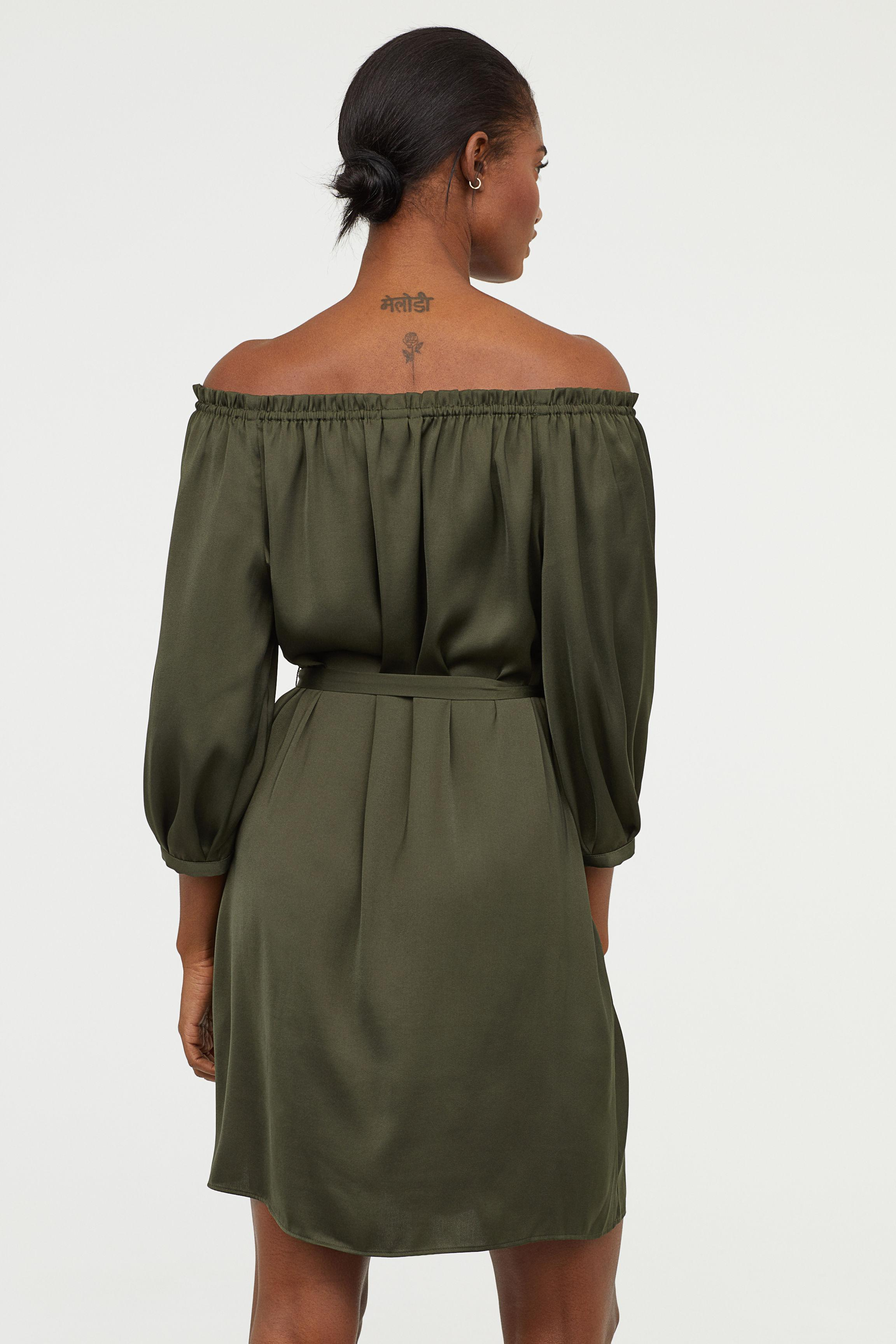 7280080d1a62 ... HM - Green Off-the-shoulder Dress - Lyst. View fullscreen los angeles  ...
