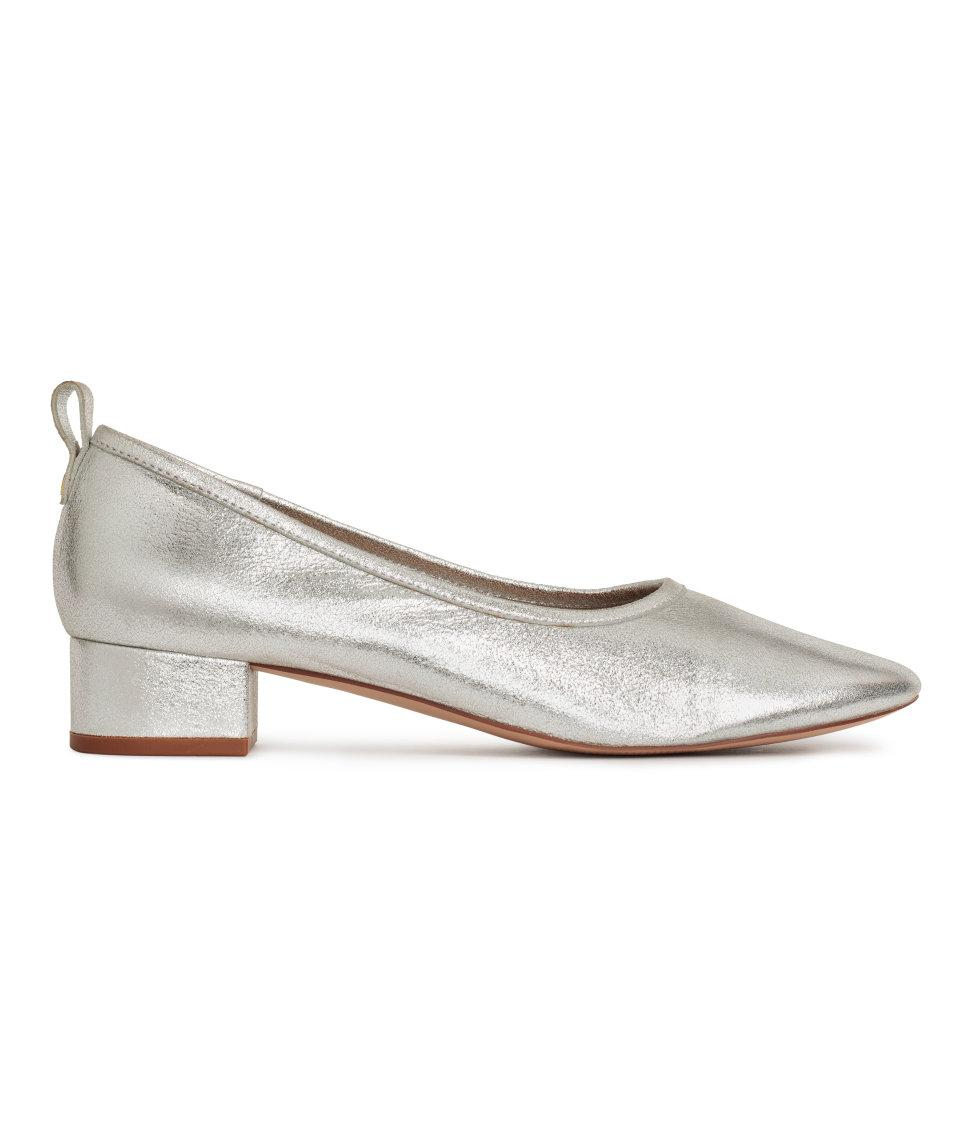 h m low court shoes in metallic lyst