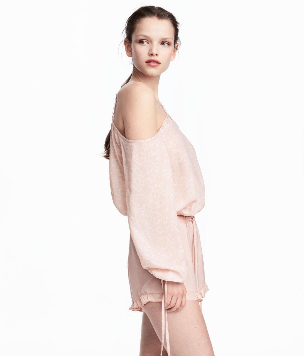 da762de6849 H&M Cold Shoulder Blouse in Pink - Lyst