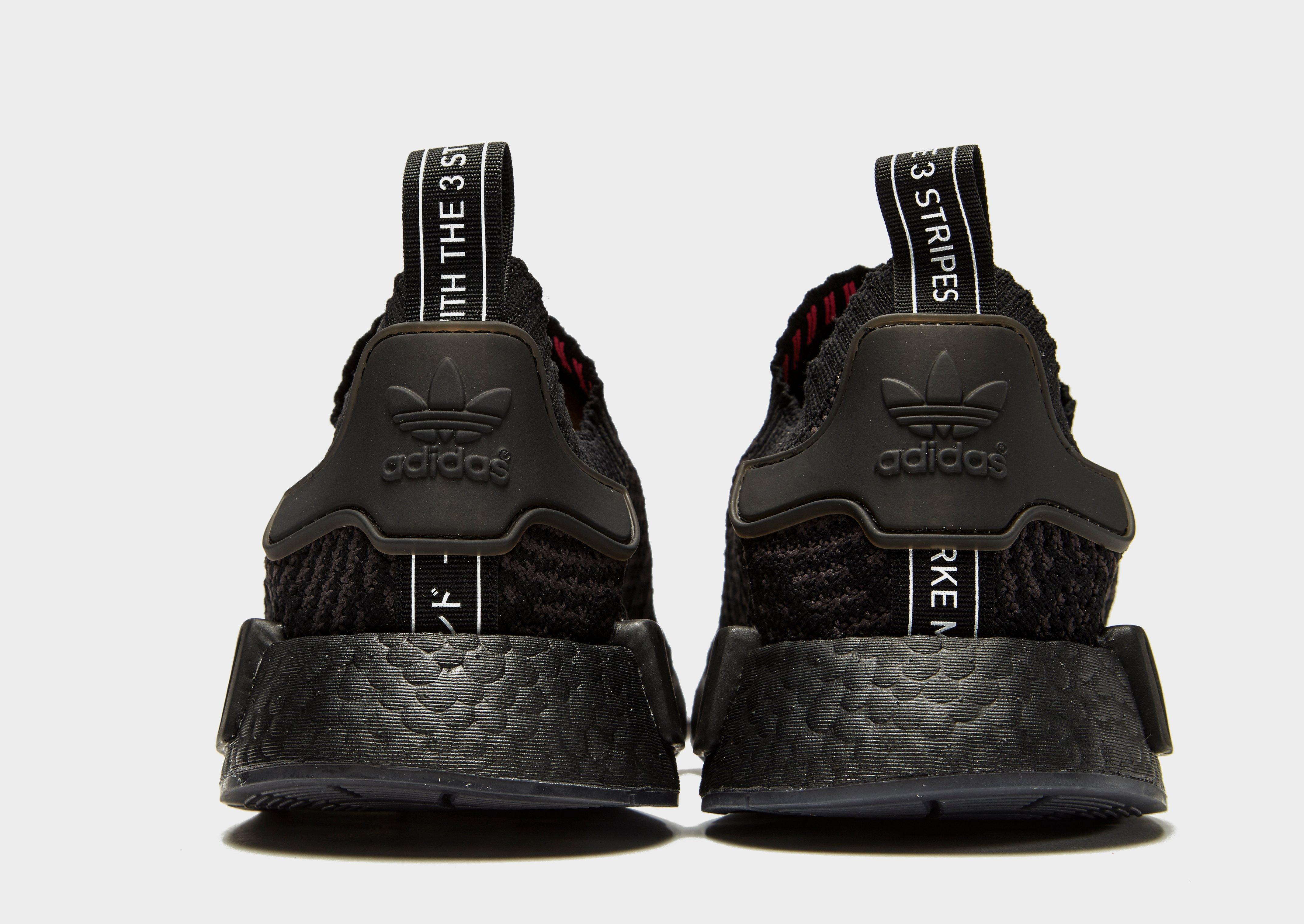 lyst adidas originali nmd r1 stlt primeknit in nero per gli uomini.
