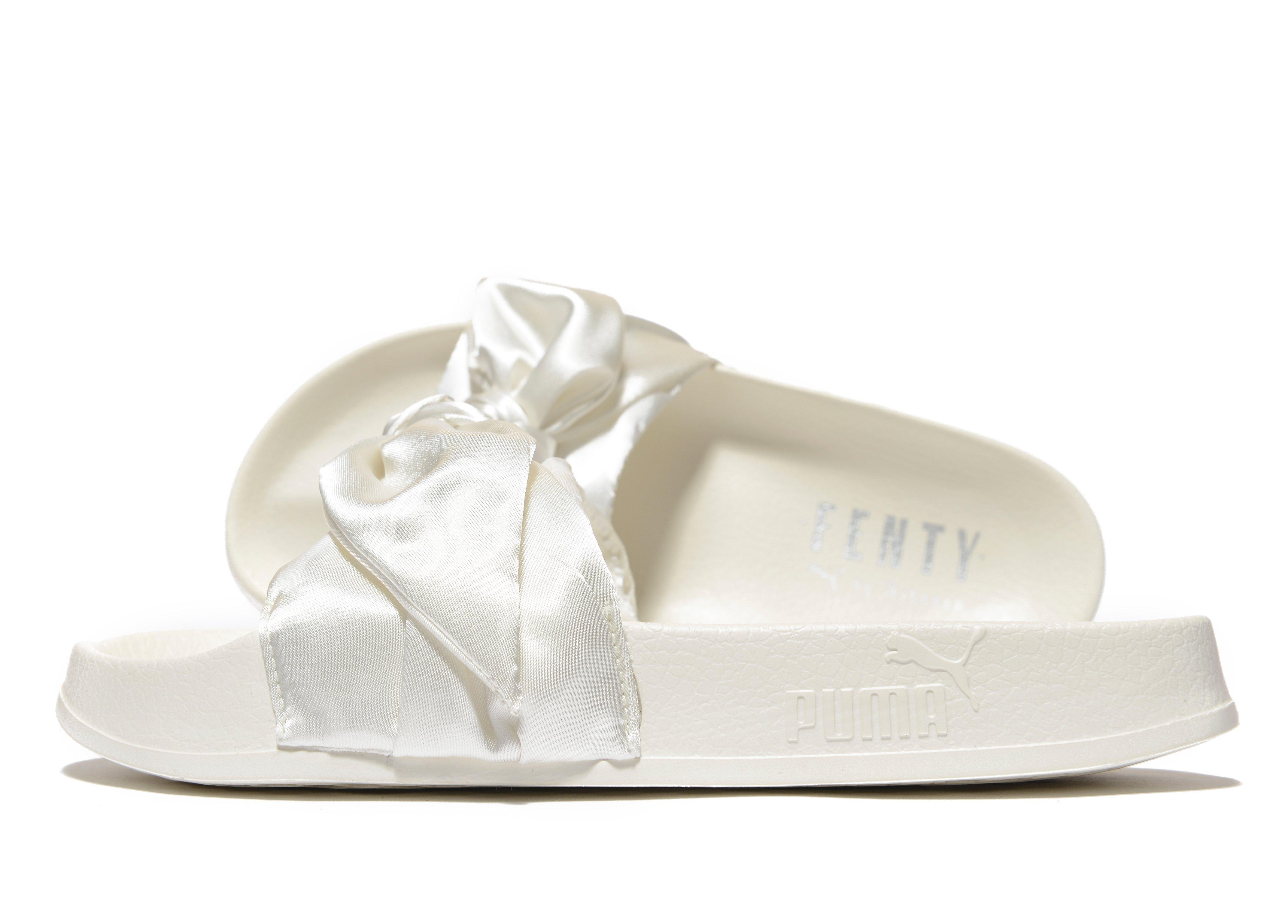 3bdb1d764148 Lyst - PUMA Fenty Bow Slide in White