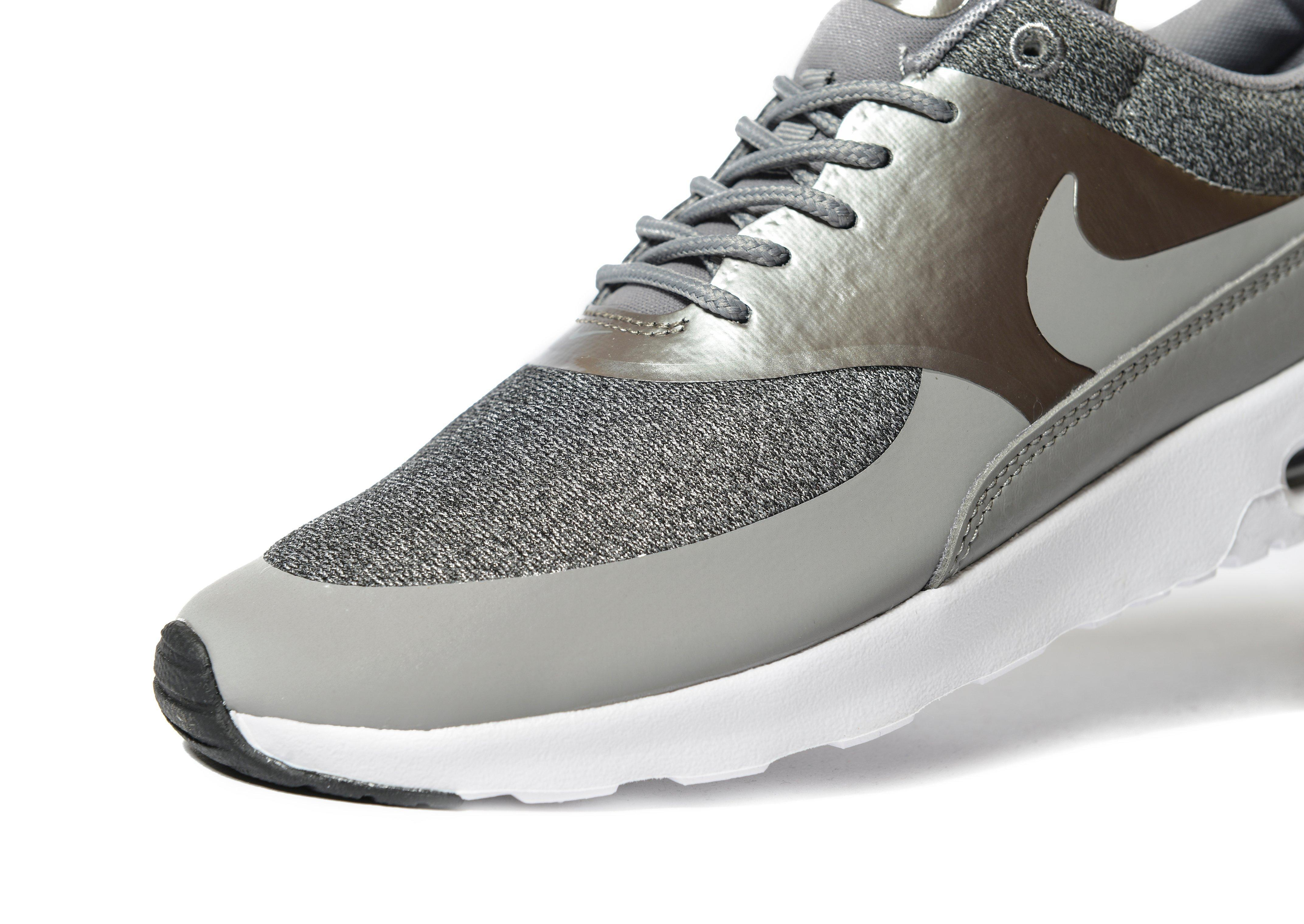 lyst nike air max thea knit in metallic. Black Bedroom Furniture Sets. Home Design Ideas