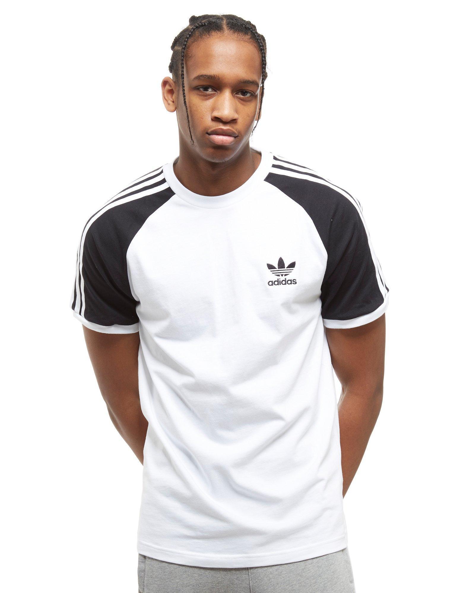 Lyst adidas originali california raglan manica t - shirt per gli uomini.