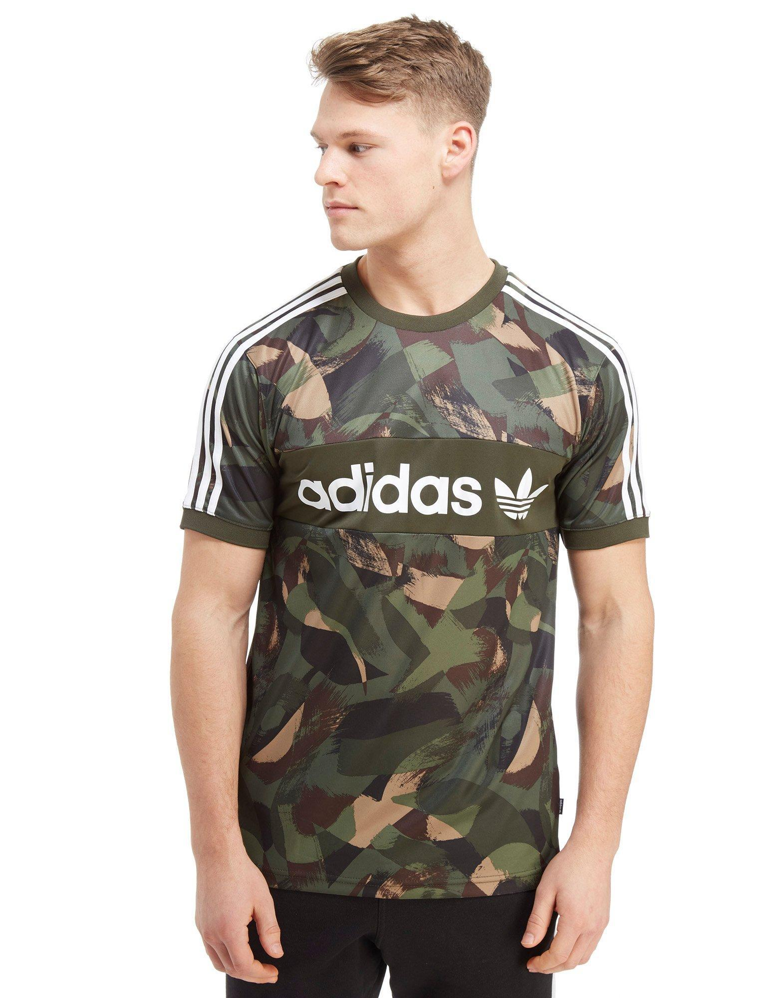 Lyst adidas Originals skateboarding Camo lineal poly t shirt en