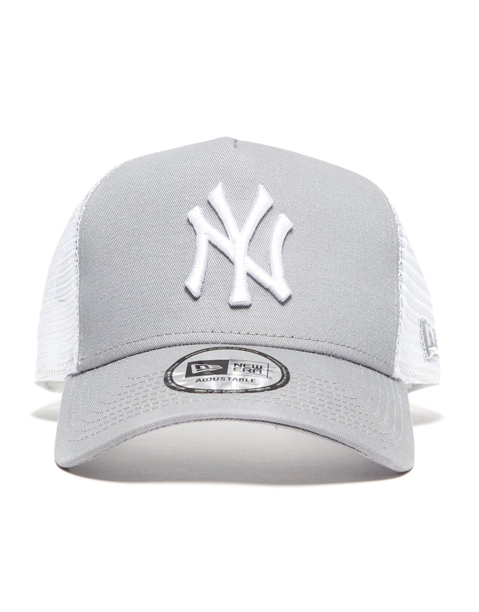 e6880445fe5 Lyst - Ktz Mlb New York Yankees Snapback Trucker Cap in Gray for Men