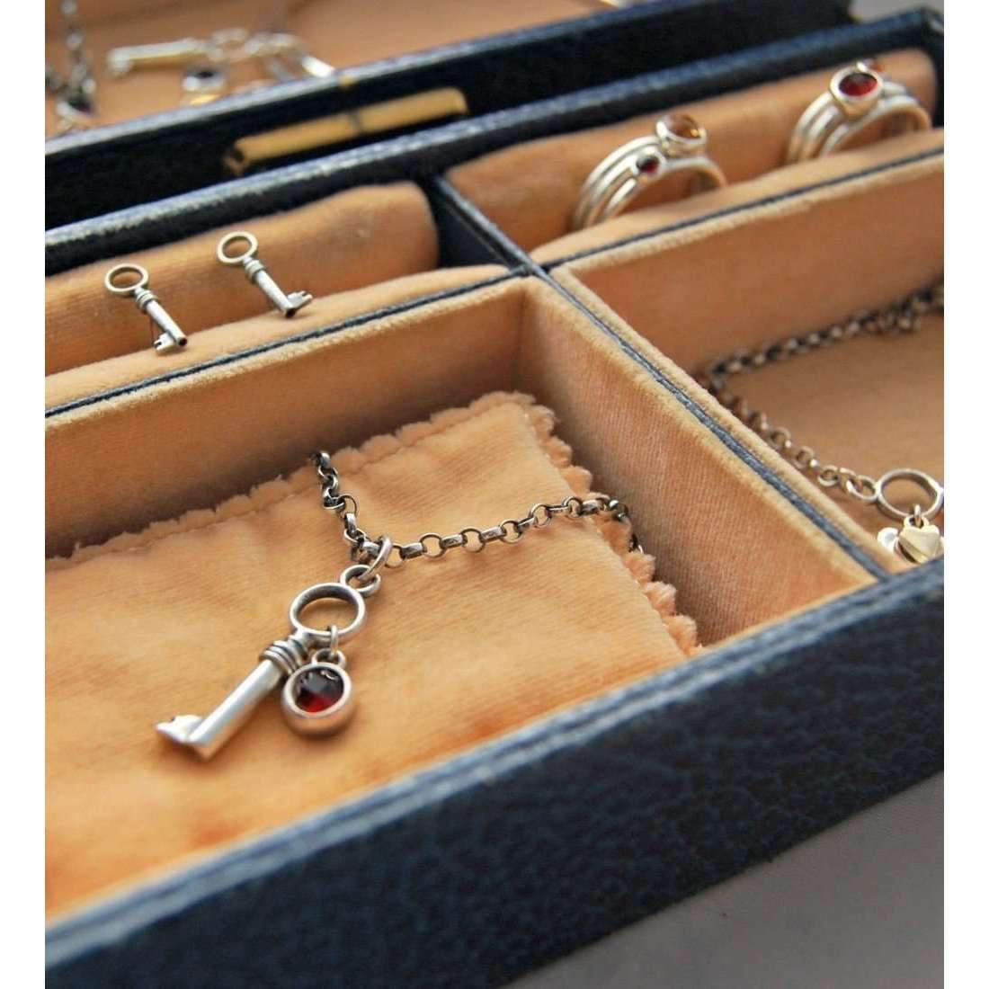 Alison Moore Designs Secrets Garnet Stacking Ring Set - UK U - US 10 1/4 - EU 62 3/4 JCPsXW