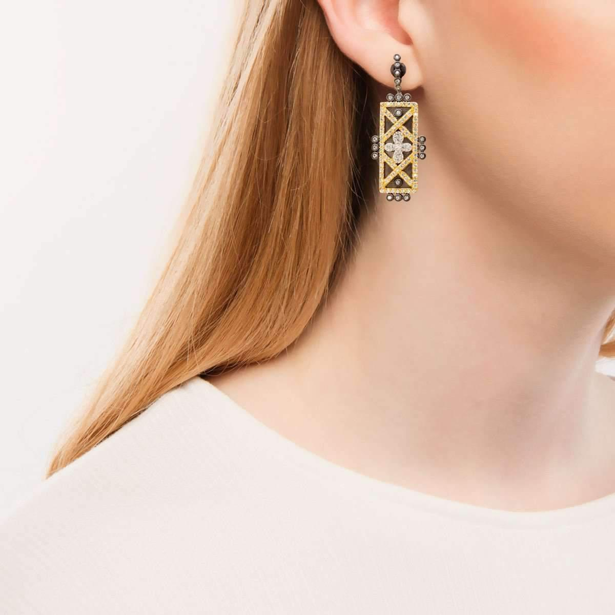 Freida Rothman Geometric Stripe Clover Bar Earrings kcHoZ