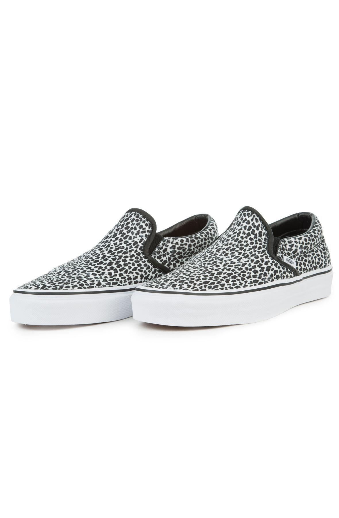 01c6a1d1361 Lyst - Vans The Women s Mini Leopard Classic Slip-on In Black And ...