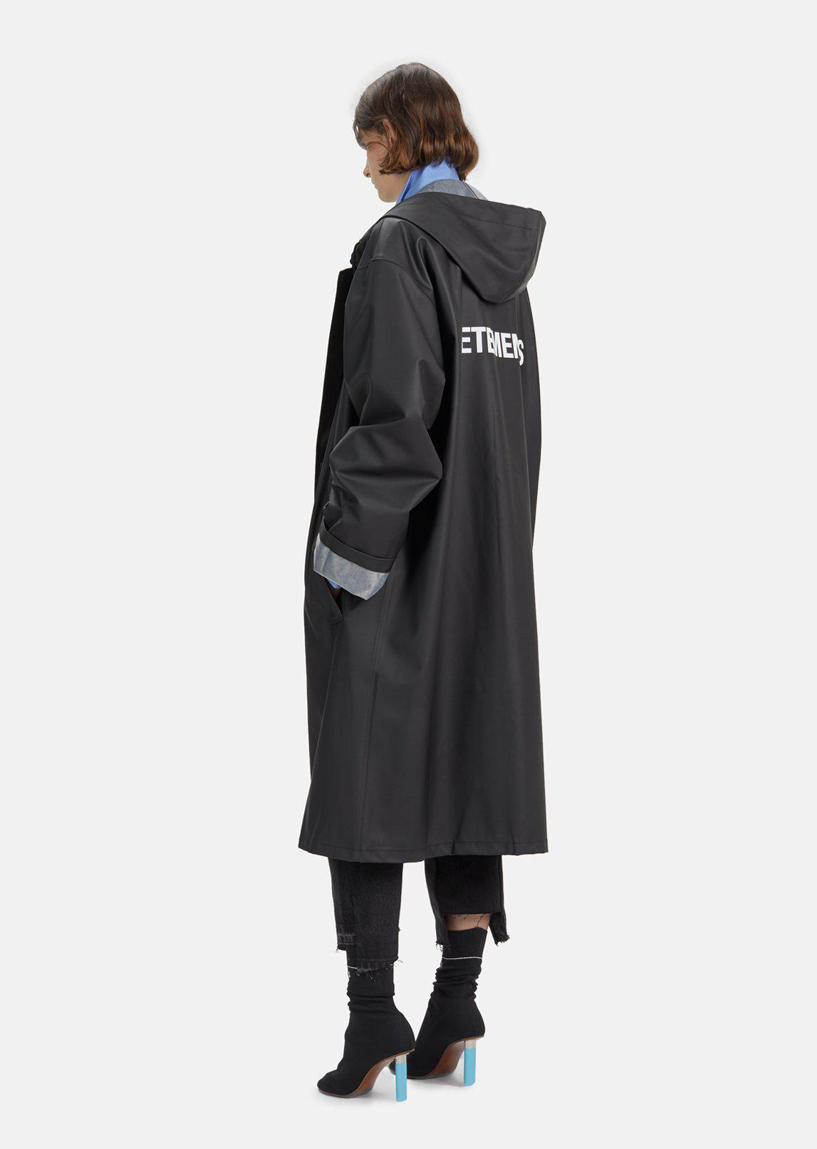 Lyst Vetements Raincoat In Black