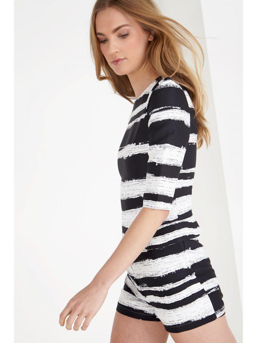 b28b6630af3 Lyst - Lavish Alice Black   White Distorted Stripe Print Structured ...