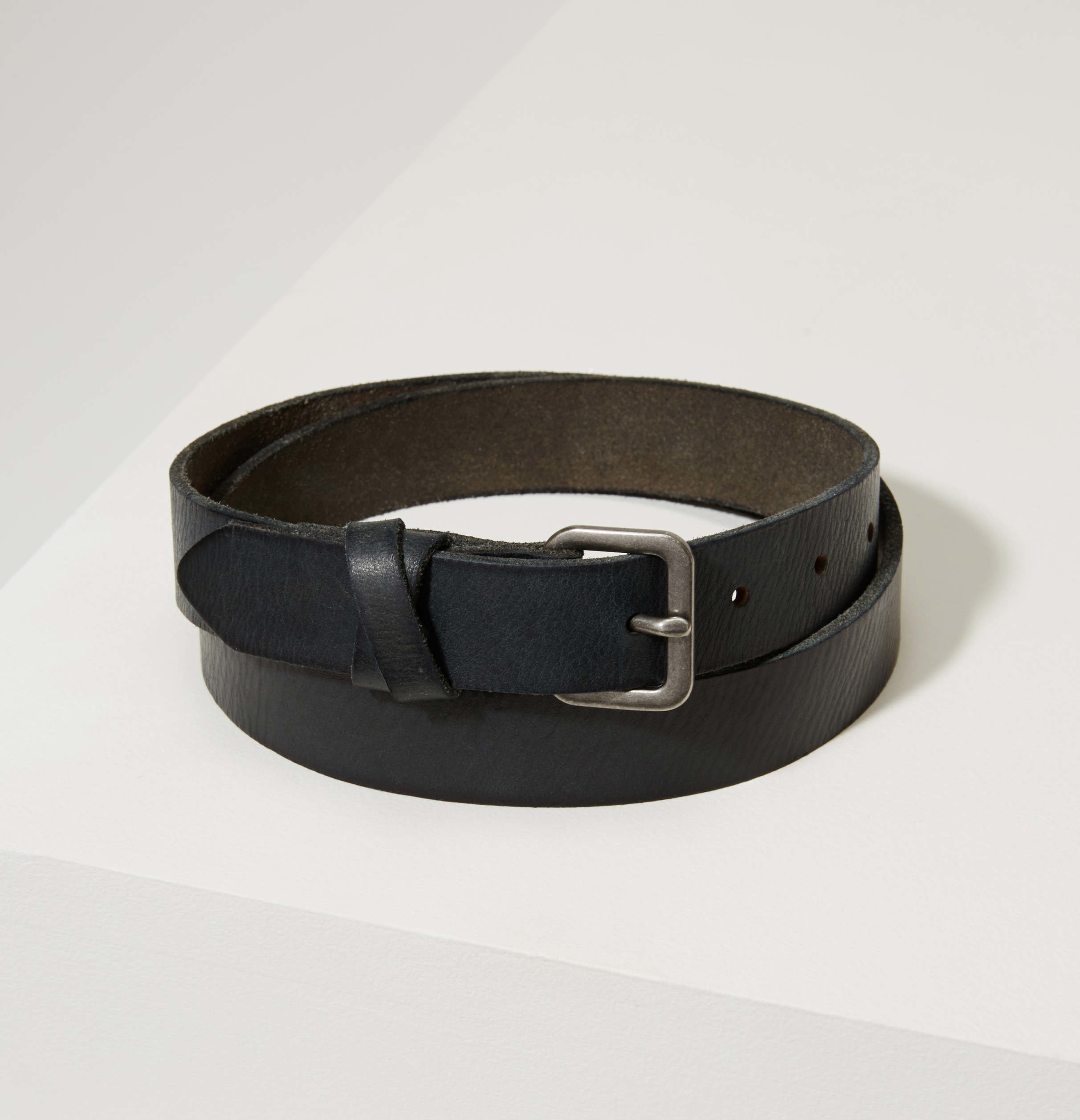 loft crossover leather belt in gray lyst