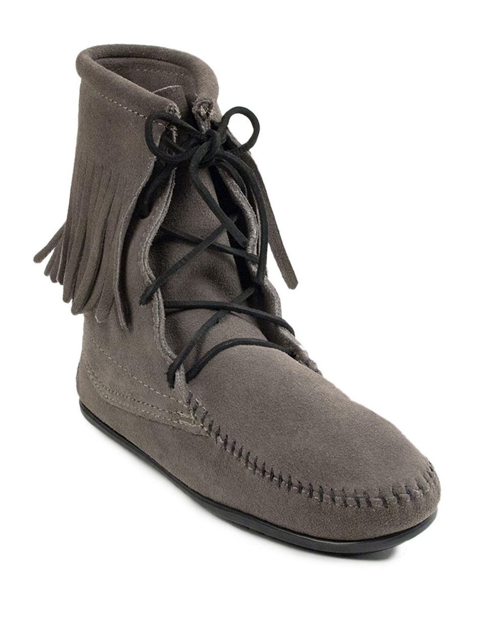 minnetonka trer suede boots in gray lyst
