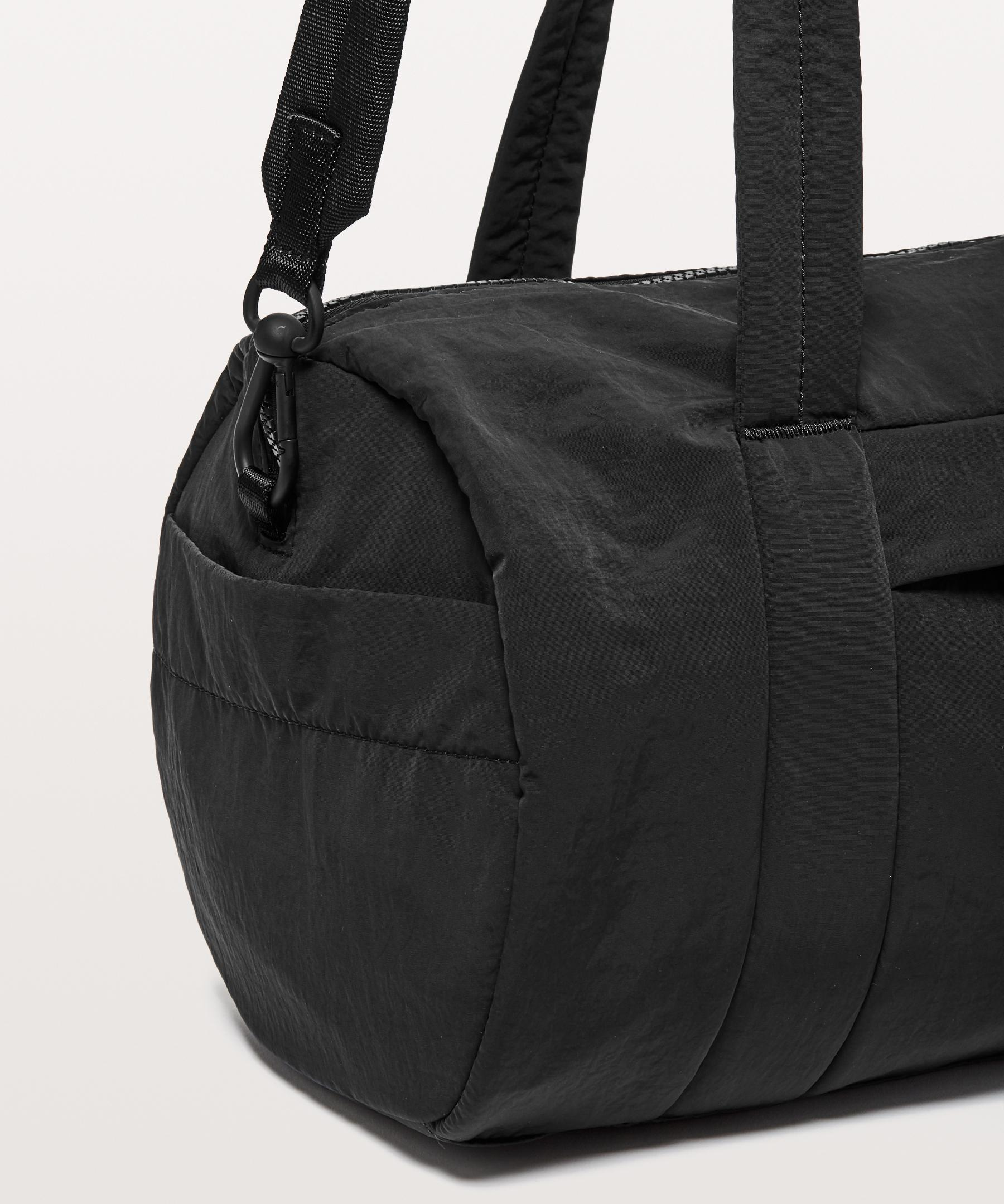 e033d575c8 lululemon athletica On My Level Barrel Bag in Black - Lyst