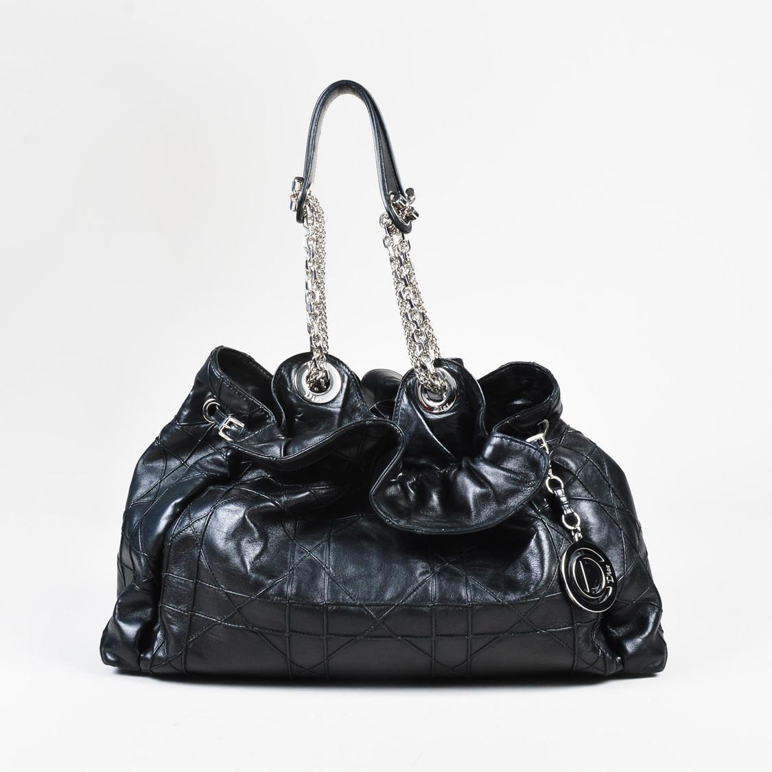 de488ddde6f7 Gallery. Previously sold at  Luxury Garage Sale · Women s Bucket Bags ...
