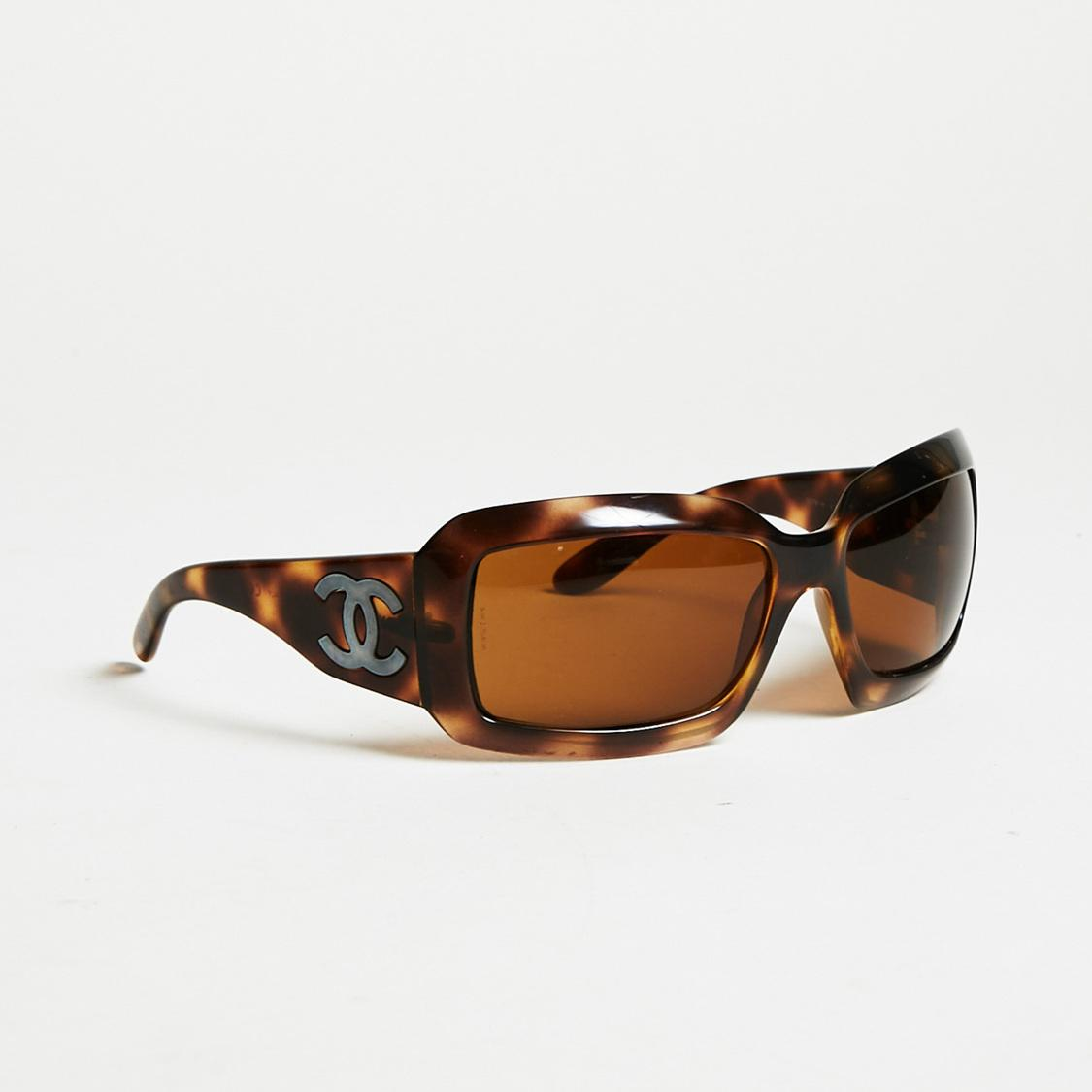 2402e8975c46d Lyst - Chanel Brown Tortoiseshell Oversized  cc  Rectangular ...