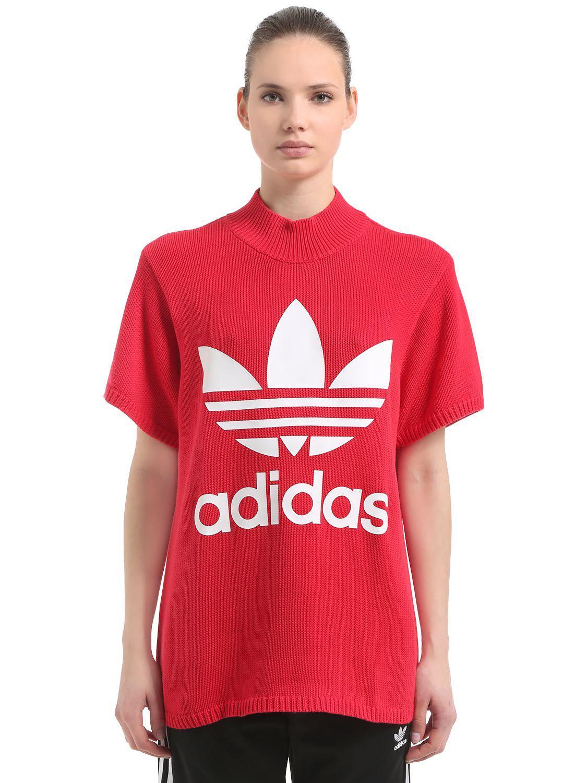 Logo adidas originali enorme impronta pesante maglia t - shirt in rosso lyst