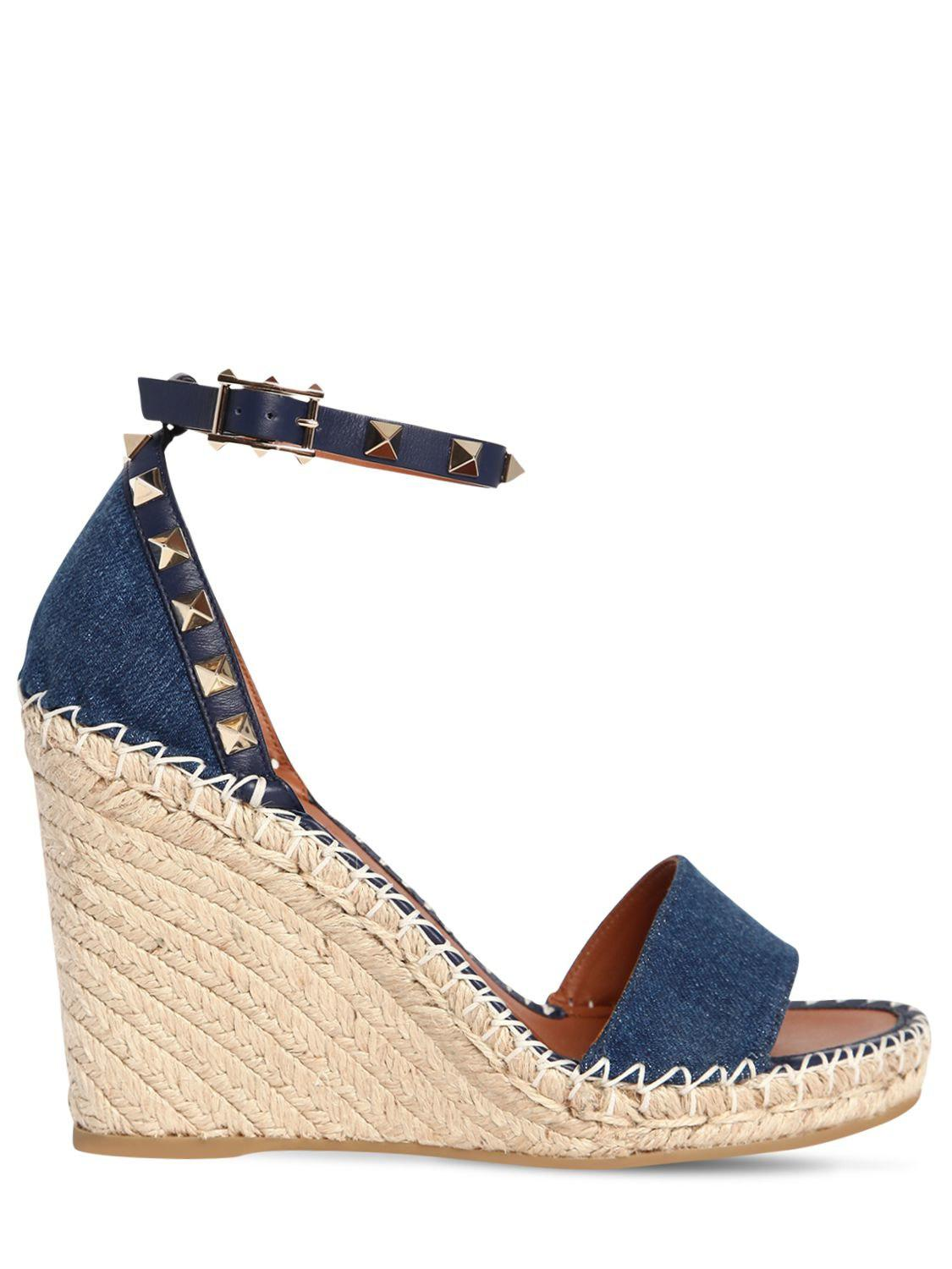 4ccbee5d32e Valentino 105mm Rockstud Double Denim Wedges in Blue - Lyst