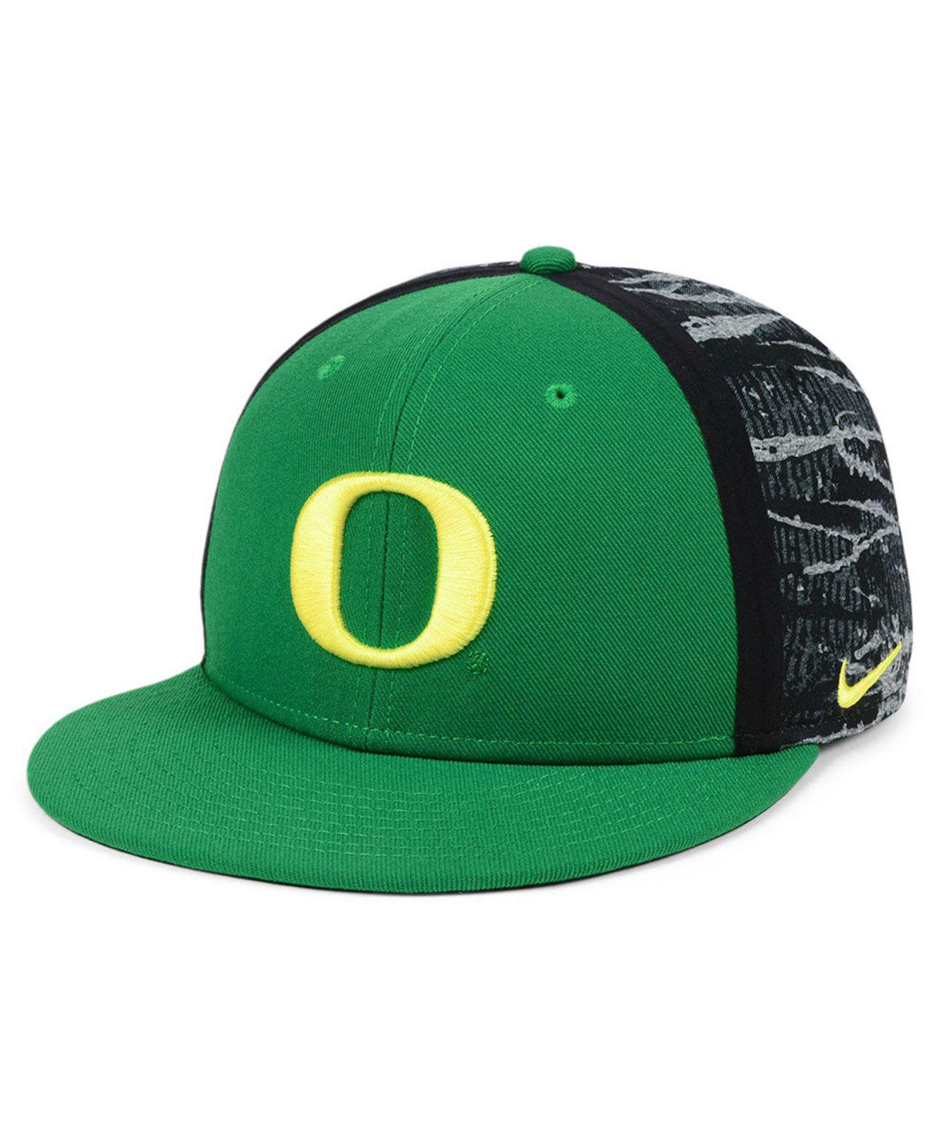 Lyst - Nike Oregon Ducks Dna True Snapback Cap in Green for Men bc562bcb5