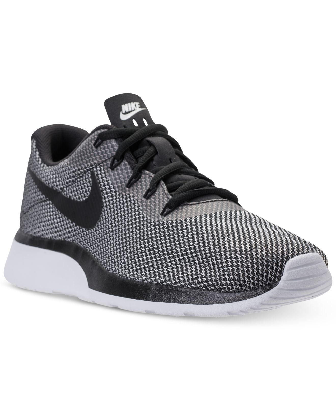 Mens Tanjun Racer Low-Top Sneakers Nike PiE5UT4