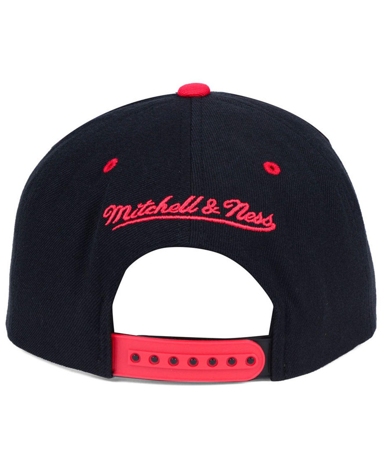 01f0b2935c5 ... low cost lyst mitchell ness chicago bulls dripped snapback cap for men  dfc45 20b63