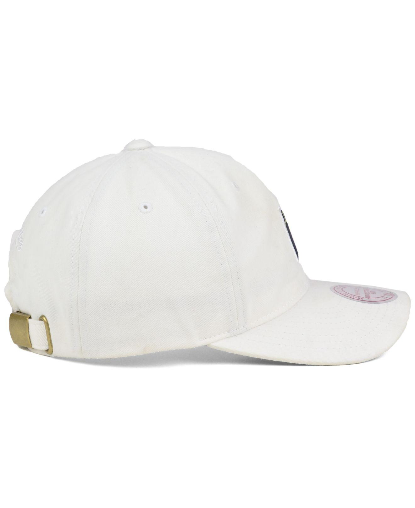 42a8381a687c1 Lyst - Mitchell   Ness Deez Jersey Dad Cap in White for Men