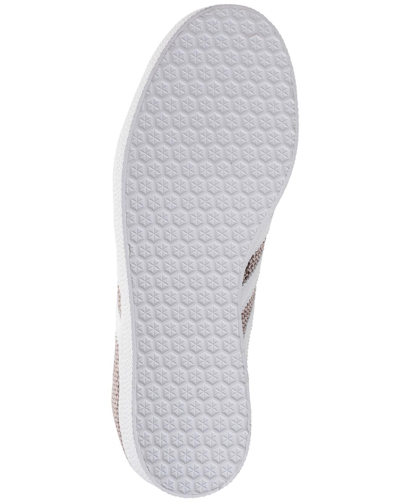 Mujeres Adidas Gazelle Lyst casual zapatillas de la línea de meta en gris