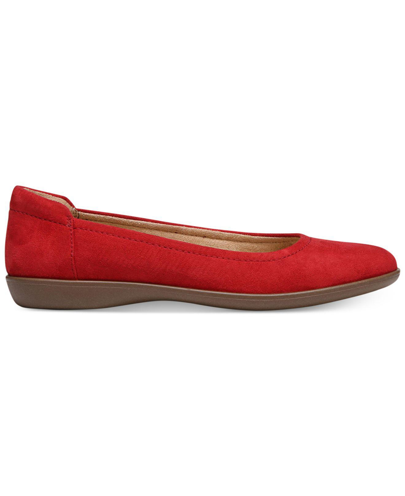 683dd1953f Naturalizer Flexy Flats in Red - Lyst