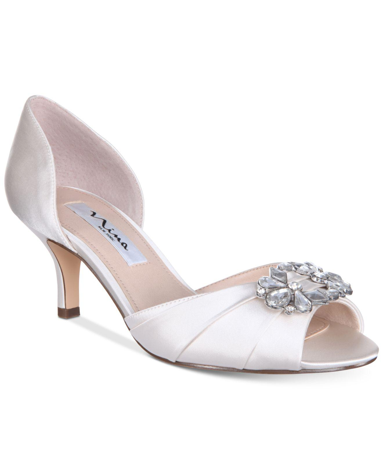 Nina Charisa Satin Crystal Brooch Peep-Toe d'Orsay Pumps XnaDCf6Q