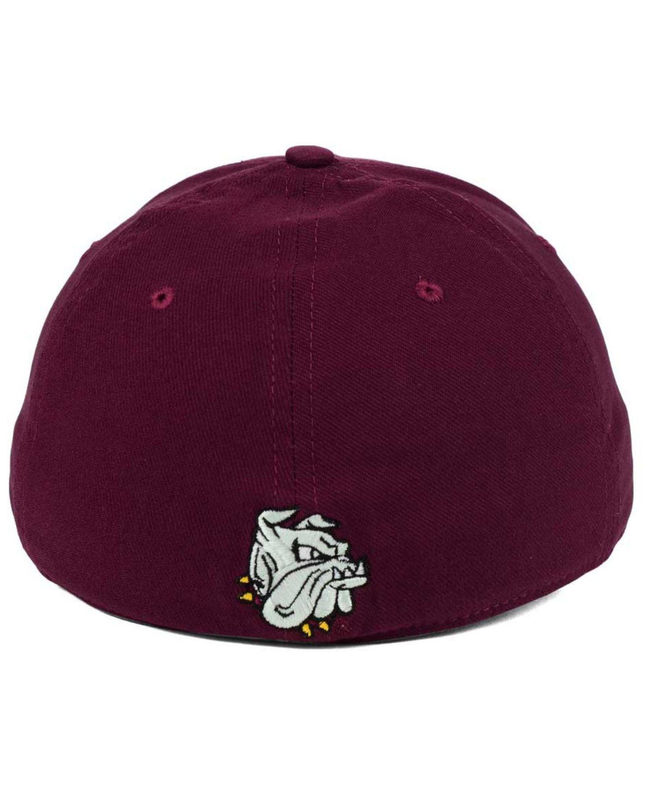 0e7bf562b0c Lyst - Nike Minnesota–duluth Bulldogs Classic Swoosh Cap in Red for Men