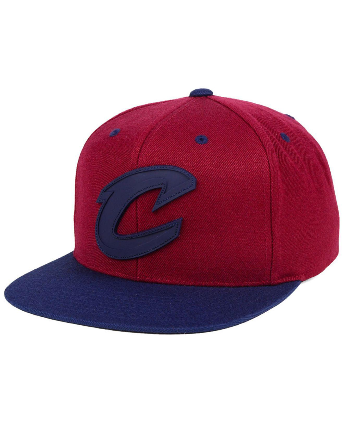 cfdac55925e Lyst - Mitchell   Ness Cleveland Cavaliers Rubber Weld Snapback Cap ...