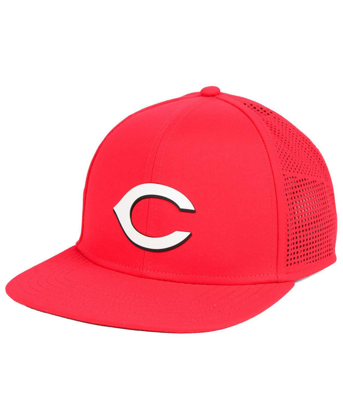 online retailer c85c6 96e36 Under Armour - Cincinnati Reds Supervent Cap for Men - Lyst. View fullscreen