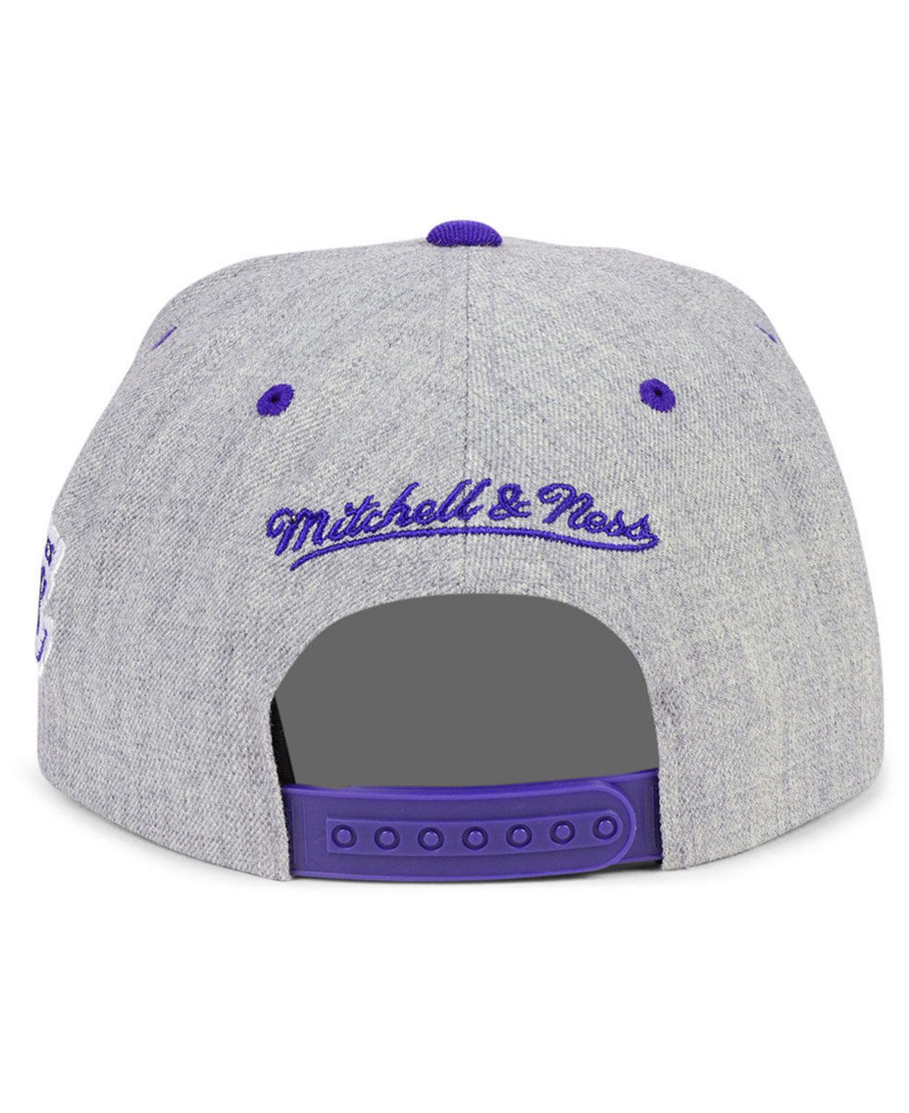 0aafb73ad6326 Mitchell   Ness Los Angeles Lakers Side Panel Cropped Snapback Cap ...