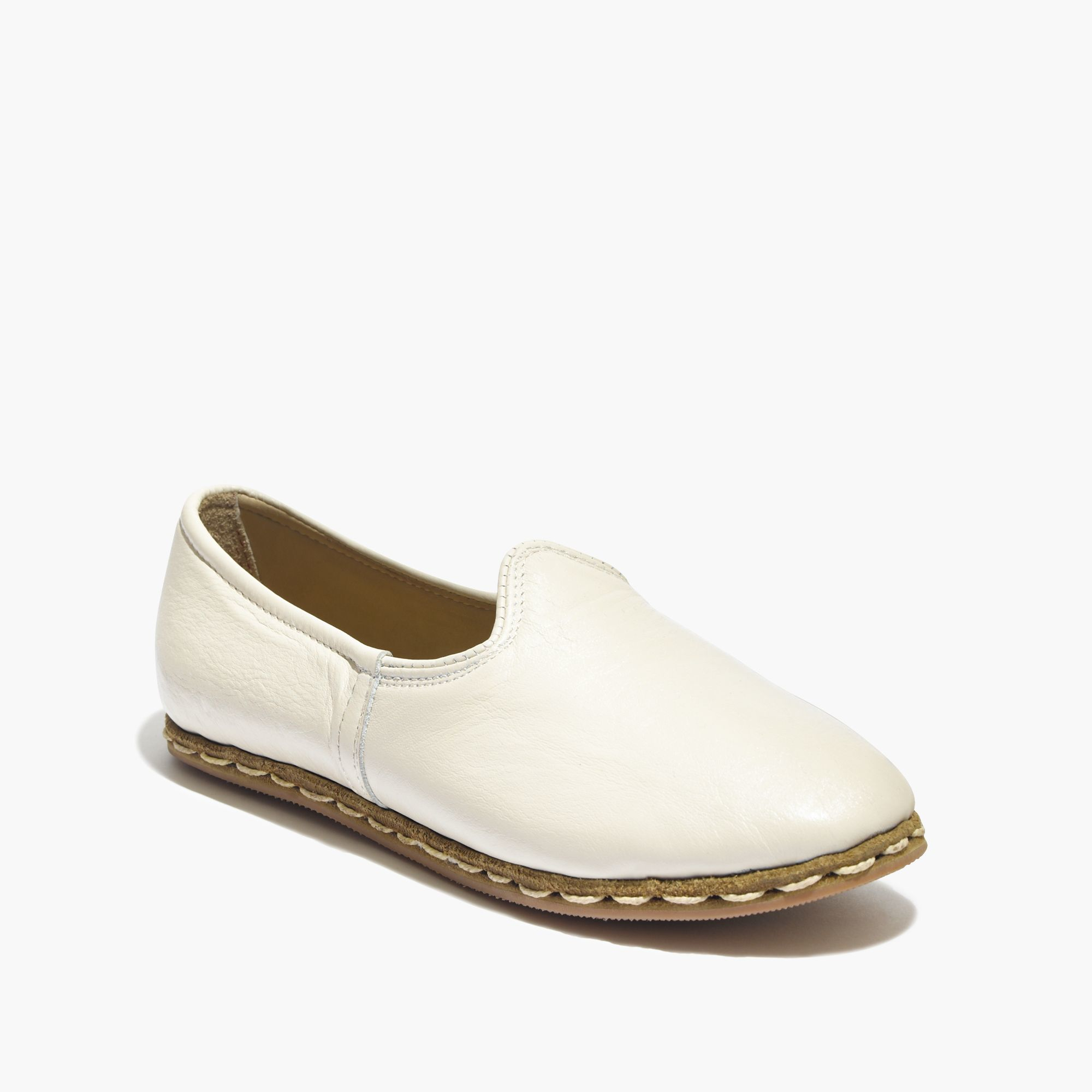 Who Sells Born Shoes In Canada