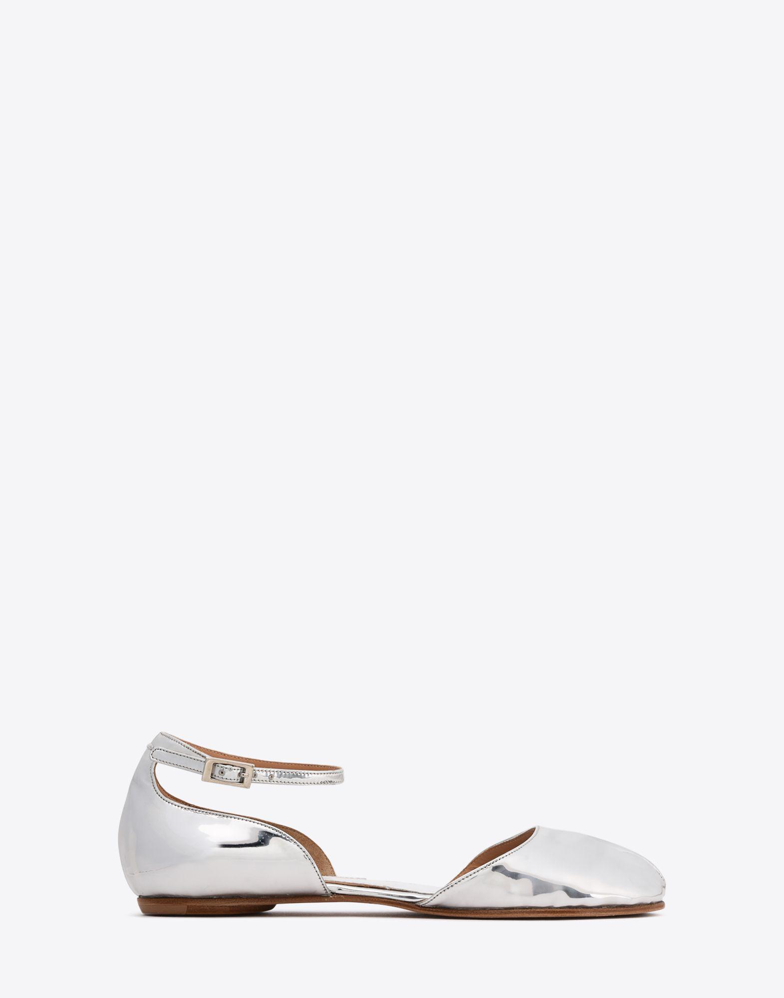 f4c7ec155f72 Lyst - Maison Margiela Metallic Tabi Flats With Ankle Straps in Metallic