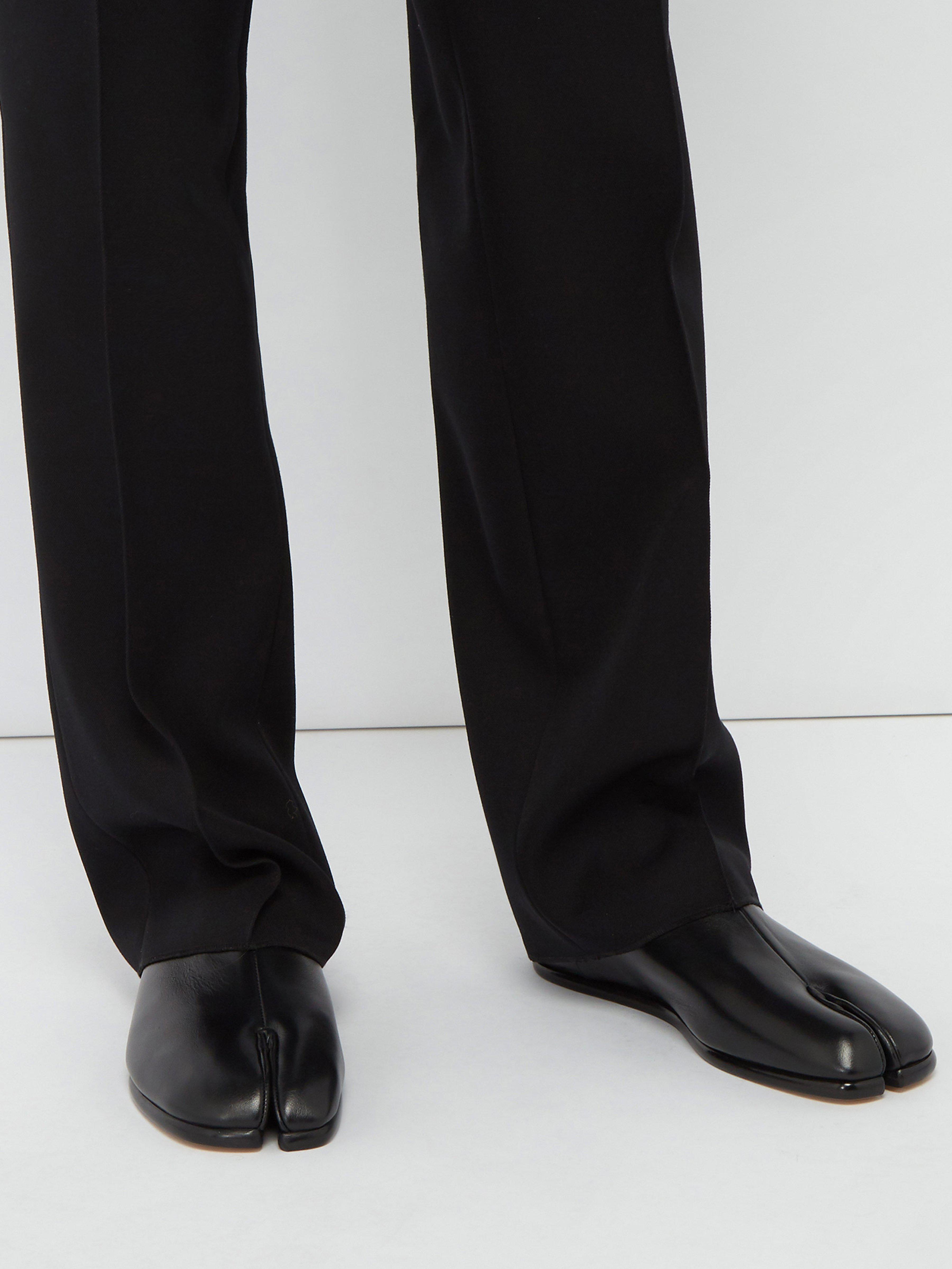 ff75b708c20 Maison Margiela Tabi Split Toe Leather Flats in Black for Men - Lyst