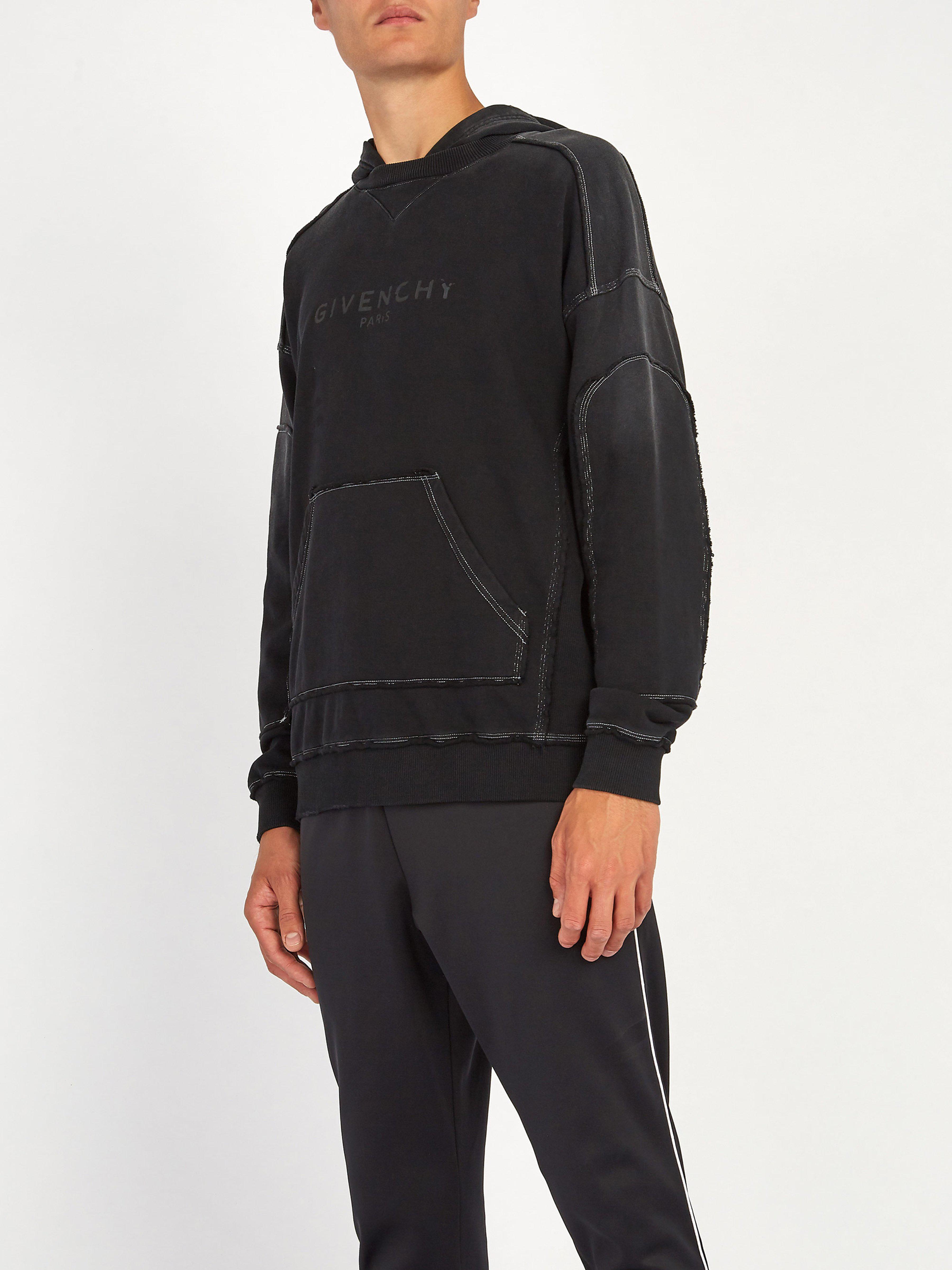 691afd62a0c Lyst - Sweat-shirt en coton à imprimé logo effet vieilli Givenchy pour homme  en coloris Noir