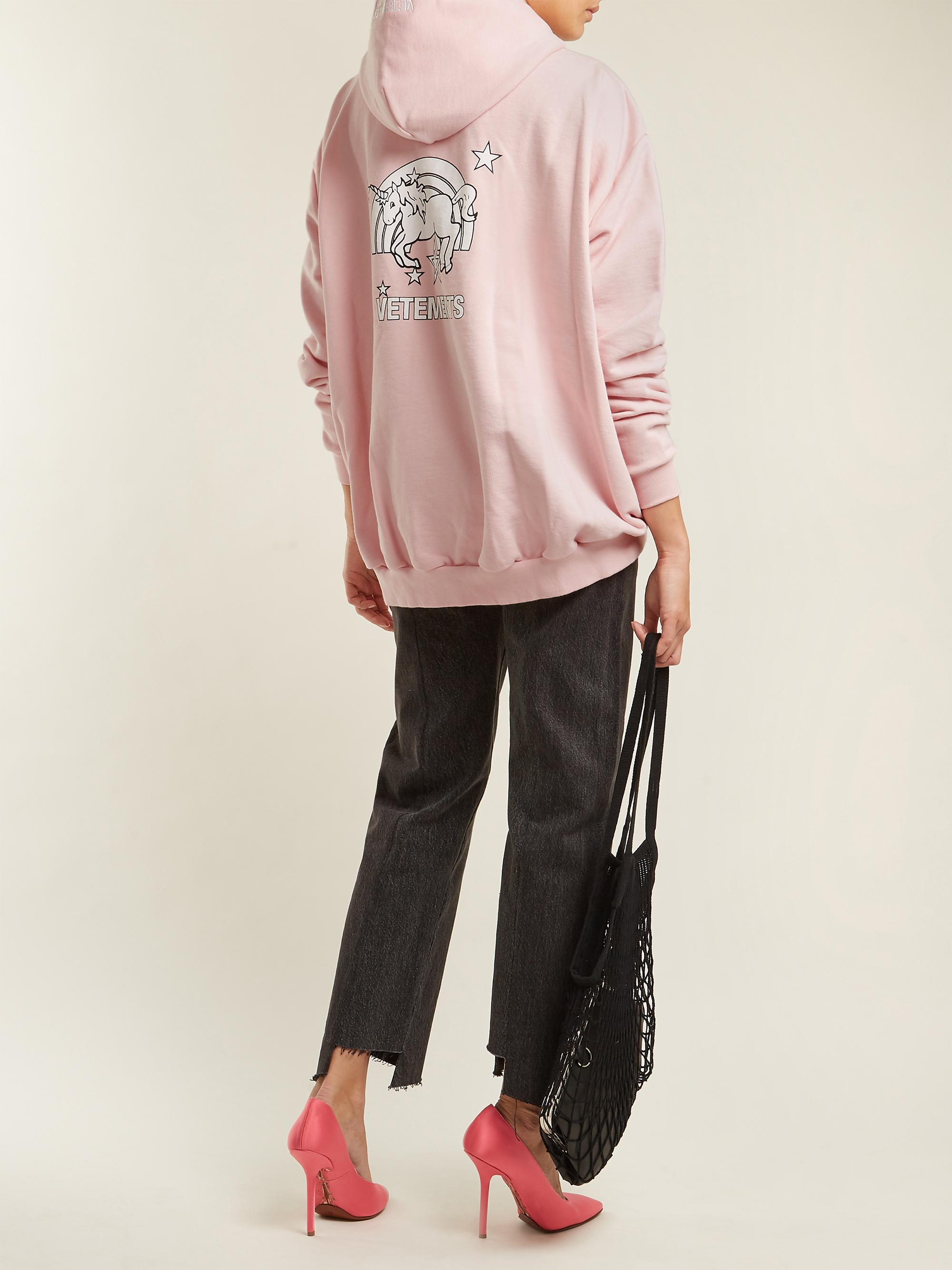 11f92b7a7cb8e6 Vetements Unicorn-print Cotton-blend Hooded Sweatshirt in Pink - Lyst